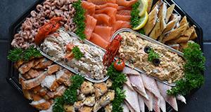 visschotel zalm tonijn makreel salade garnalen haring catering